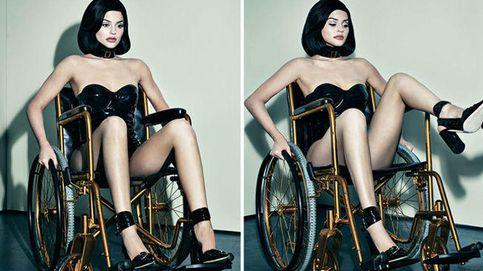 Kylie Jenner enciende las redes por una foto en silla de ruedas para una revista