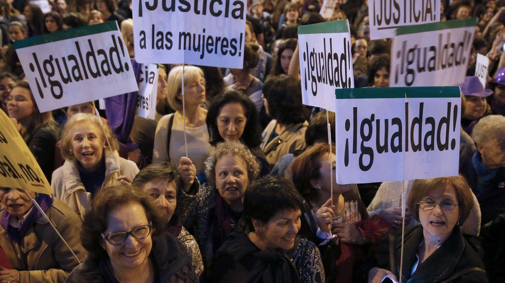 Foto: Manifestación el 8-M en defensa de la igualdad. (EFE)