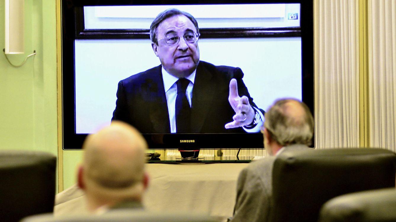 Foto: El presidente del grupo ACS, Florentino Pérez, durante su declaración por videoconferencia ante la comisión del Parlament Balear. (EFE)