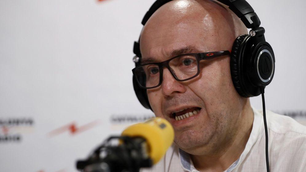 Foto: El abogado del expresidente de la Generalitat Carles Puigdemont, Gonzalo Boye, en una entrevista en Catalunya Ràdio. (EFE)