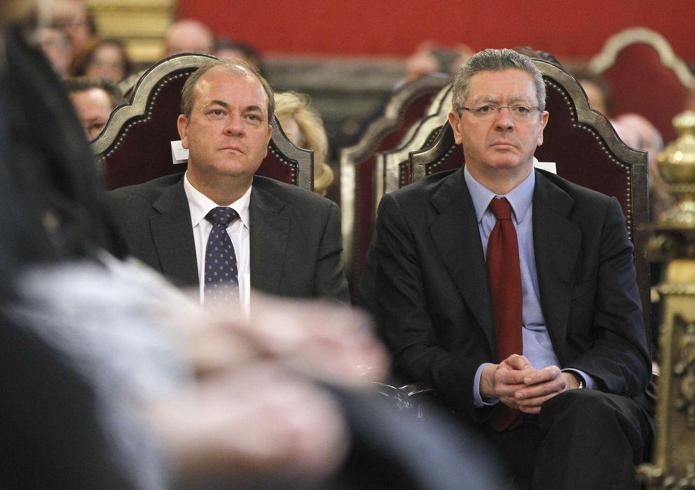 Foto: El barón extremeño José Antonio Monago (i), junto con el ministro de Justicia, Alberto Ruiz Gallardón. (EFE)