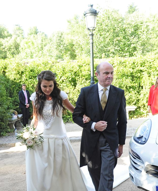 Foto: Luis de Guindos en la boda de su hija (Gtres)