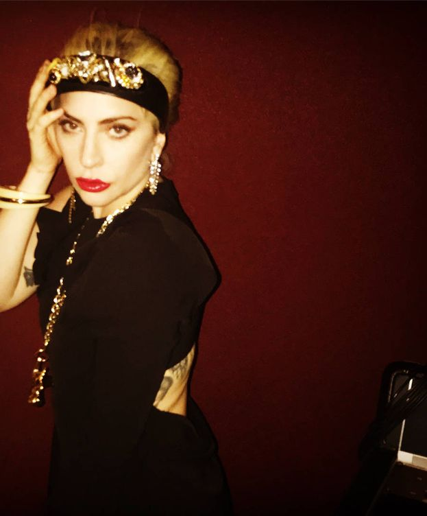 Foto: Lady Gaga con el diseño de Juan Vidal. (Instagram)