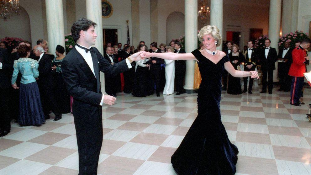 El icónico vestido con el que Lady Di bailó con Travolta, a subasta
