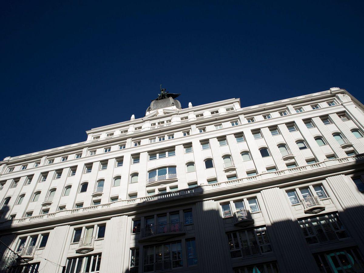 Foto: Vista de la fachada del edificio de la sede en Madrid del Grupo Prisa. (EFE)