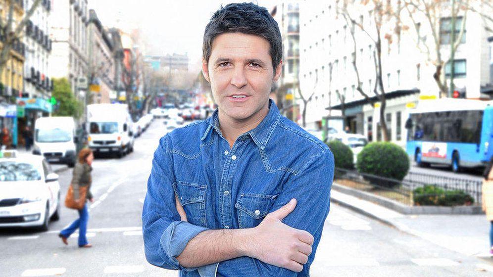 Foto: Jesús Cintora en una imagen promocional de 'A pie de calle'