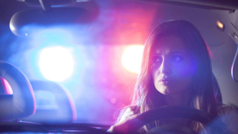 Qué hacer si te para un agente de tráfico para evitar que te multe