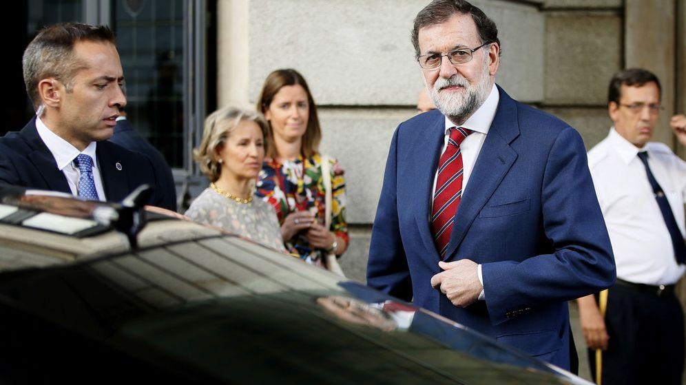 Foto: El presidente del Gobierno, Mariano Rajoy, a su llegada a la sesión de control al Ejecutivo en el Congreso de los Diputados. (EFE)