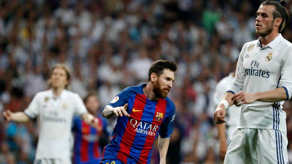 Foto: Messi celebra el primer gol que marcó en el Bernabéu para ganar al Real Madrid. (Imago)