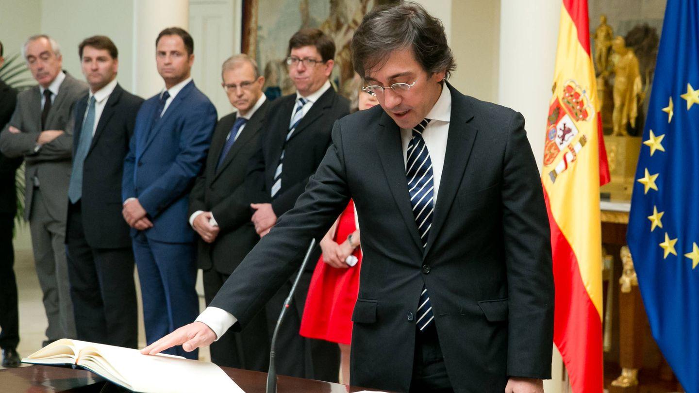 El diplomático José Manuel Albares, prometiendo su cargo como secretario general de Asuntos Internacionales de la Presidencia del Gobierno. (EFE)