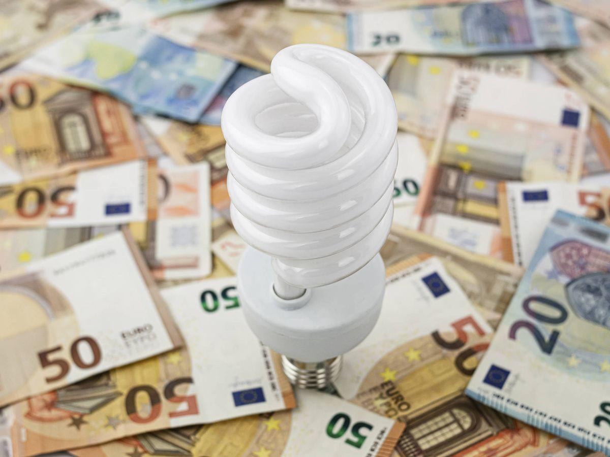 Foto: La nueva factura de la luz se aplicará a partir del 1 de junio. (iStock)