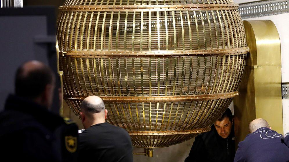 Foto: Llegada de los bombos de la Lotería de Navidad. (EFE)