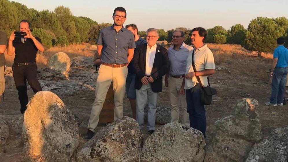 Foto: El consejero de Educación, Cultura y Deportes de Castilla La Mancha, Ángel Felpeto, visitó Totanés (Foto: Castilla La Mancha)