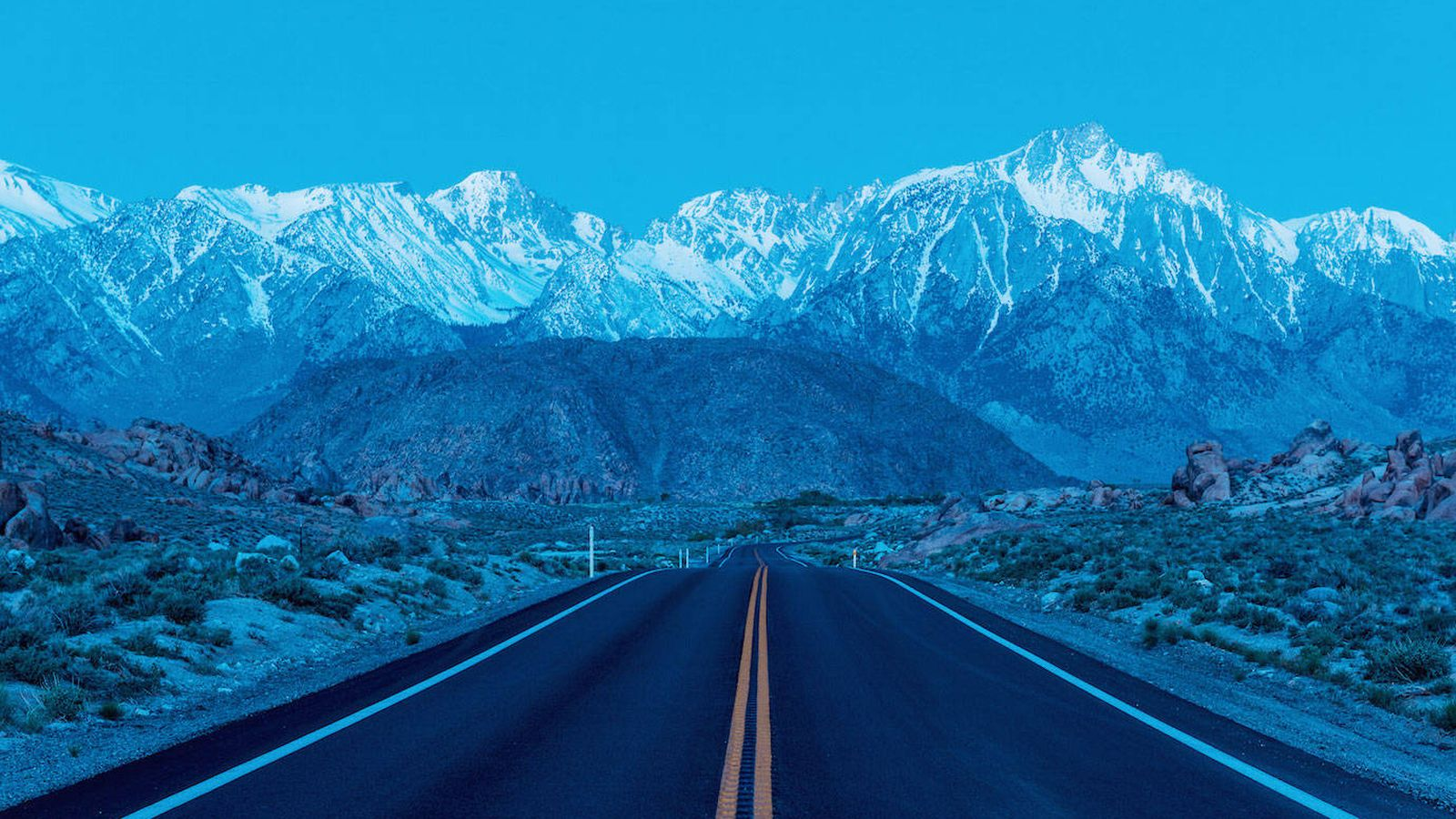 Foto: Alabama Hills, en el desierto de California. (Foto: Simon Davidson para Parfums CHRISTIAN Dior)