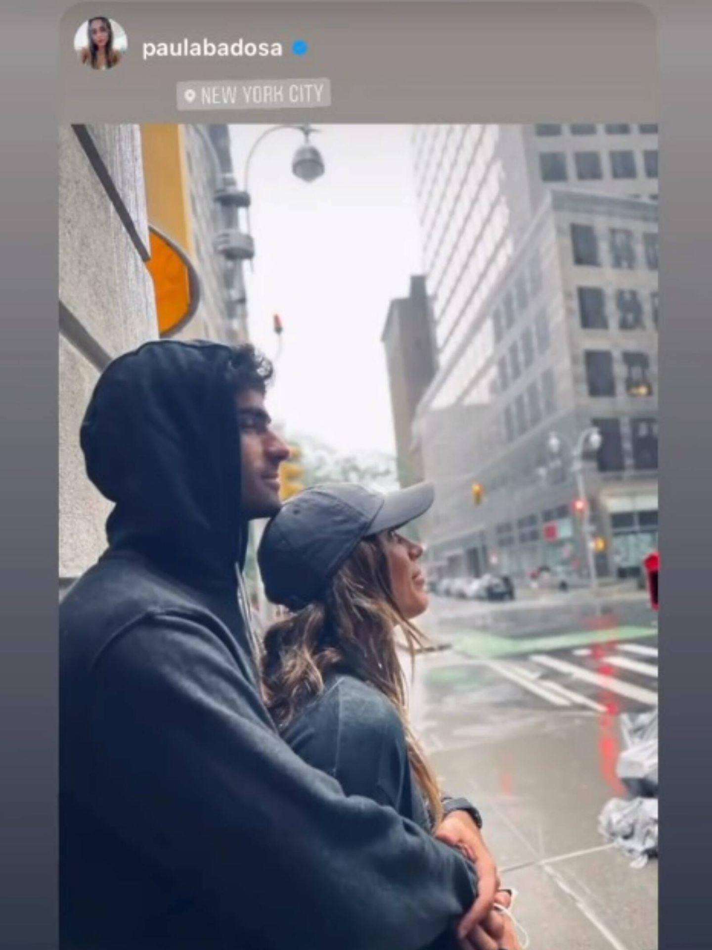 Paula Badosa y Juan Betancourt esperando a que pase la tormenta. (Instagram Stories @juanbetancourtt)