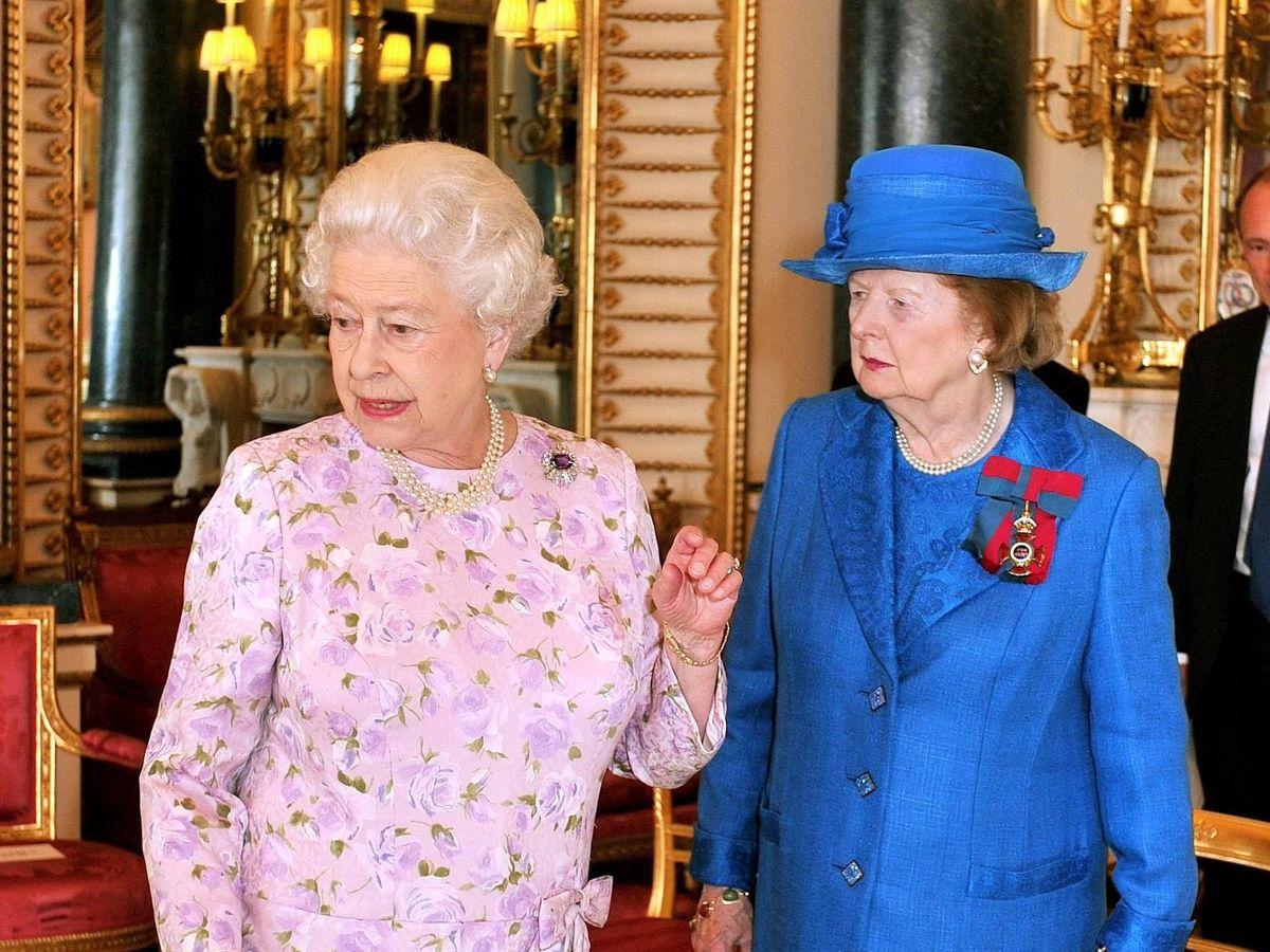 Foto: Isabel II y Margaret Thatcher, en una imagen de archivo. (Cordon Press)