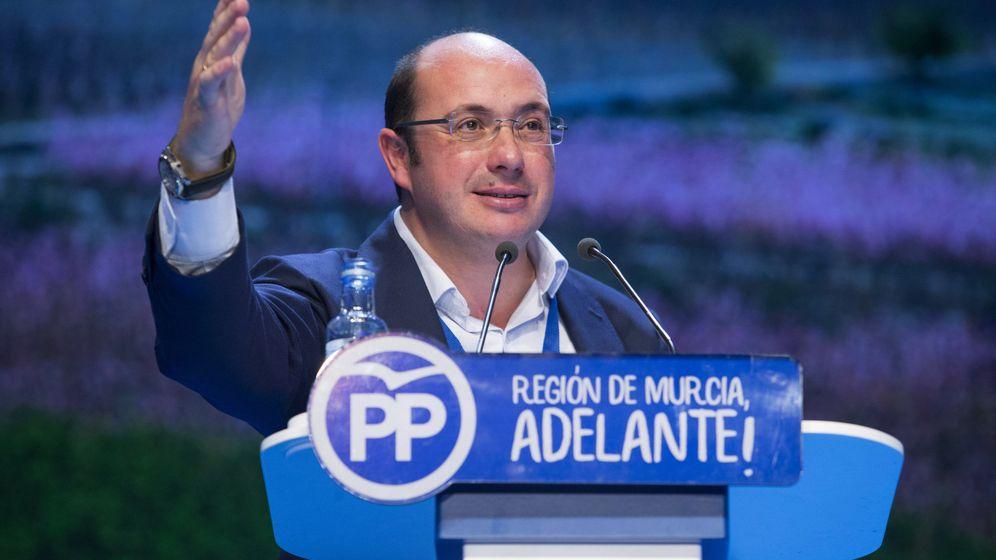Foto: El nuevo presidente del Partido Popular en la Región de Murcia, Pedro Antonio Sánchez, durante su intervención en el 16º Congreso del partido en Murcia. (EFE)