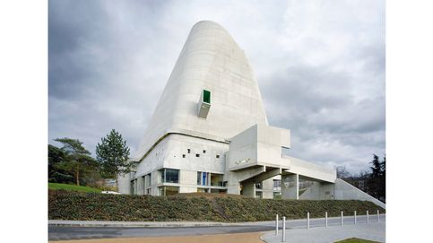 Visitamos la gran obra de Le Corbusier, la iglesia de Saint-Pierre