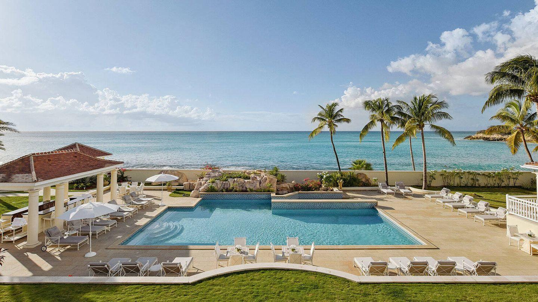Que no falte una extensa piscina a primera línea de playa. (Cortesía de lechateaudespalmiers.com)