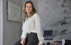 Alicia Koplowitz toma posiciones en FCC por la puerta de atrás