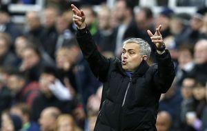 El Chelsea cae, Mourinho carga contra los recogepelotas y el Kun Agüero se rompe