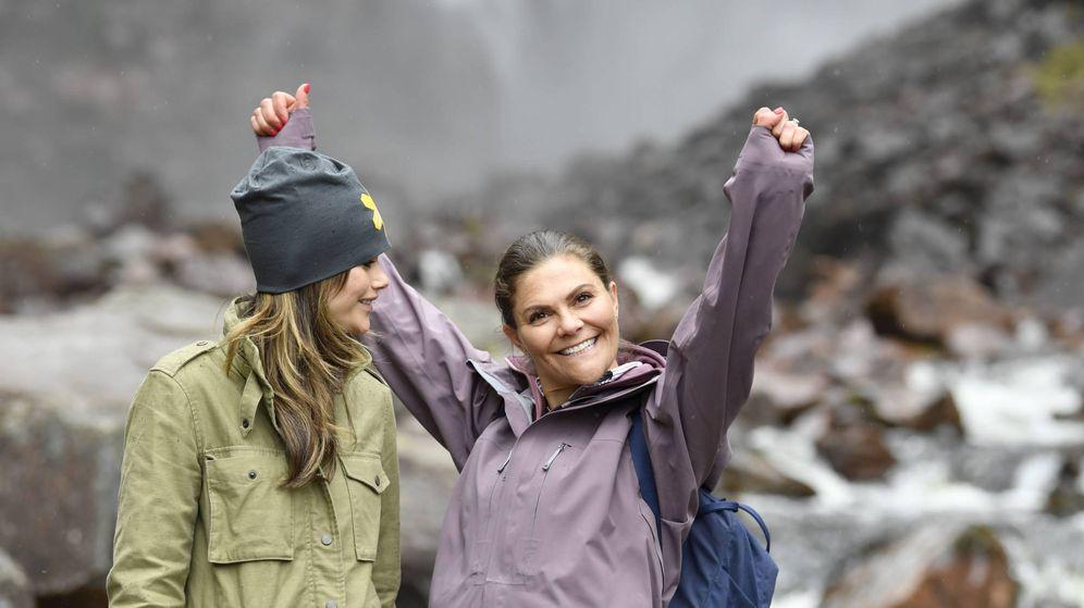 Foto: La princesa Victoria y Sofía Hellqvist en Dalarna. (Cordon Press)