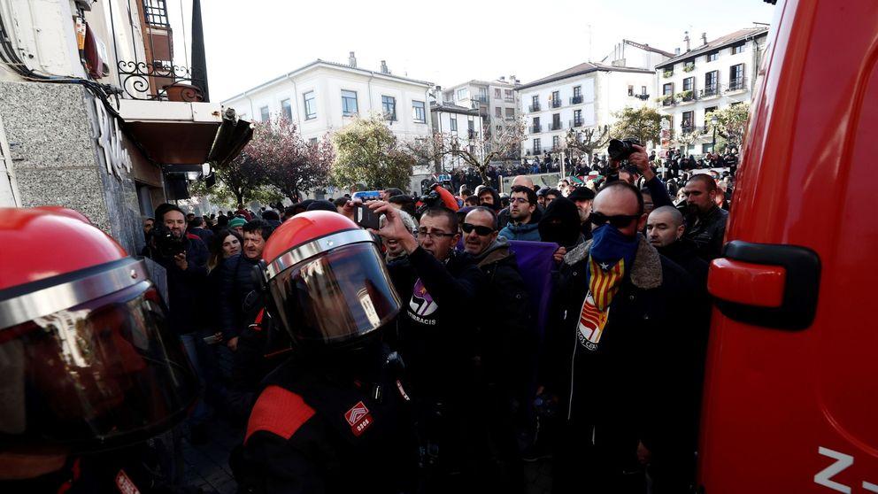 Las fotos de la tensión en Alsasua por el acto de España Ciudadana