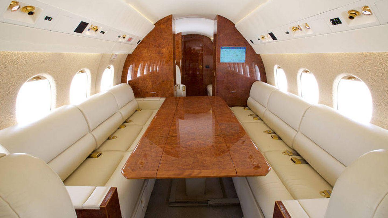 Vista de la cabina de un Falcon 900B como los que usan el Gobierno y la Casa Real. (Jetsales.com)