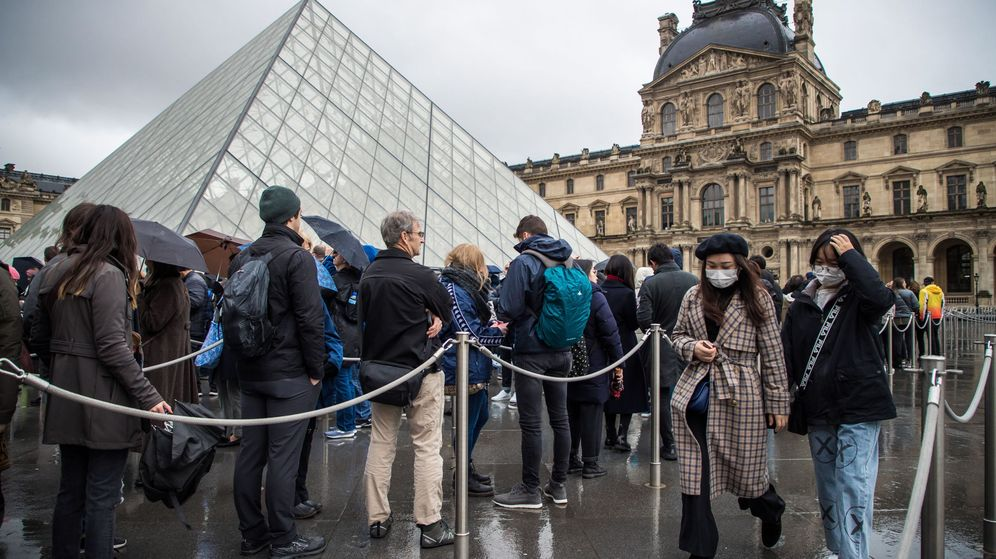 Foto: El Museo del Louvre cerró sus puertas el domingo; este lunes tampoco abrirá (EFE)