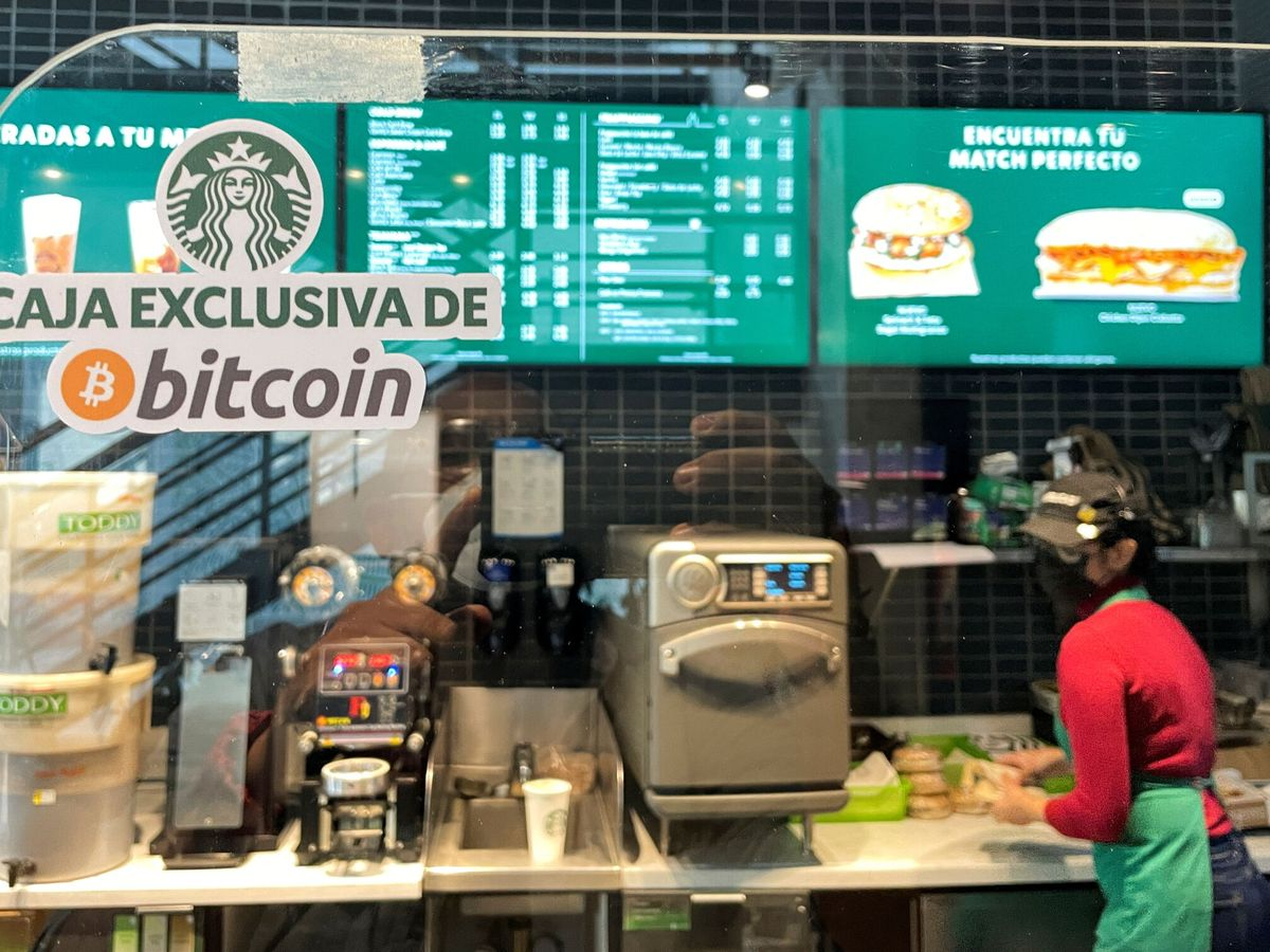 Photo: A Starbucks in El Salvador, where you can already pay with bitcoins.  (Reuters)