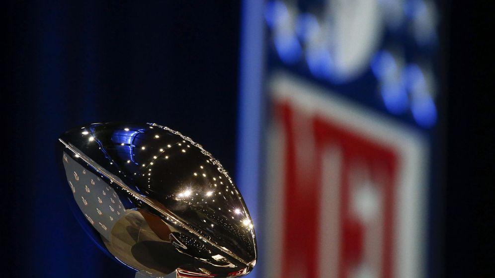 Foto: El trofeo de la Super Bowl (EFE)