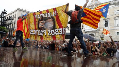 Los CDR acampan en Sant Jaume y evitan una manifestación en defensa del castellano