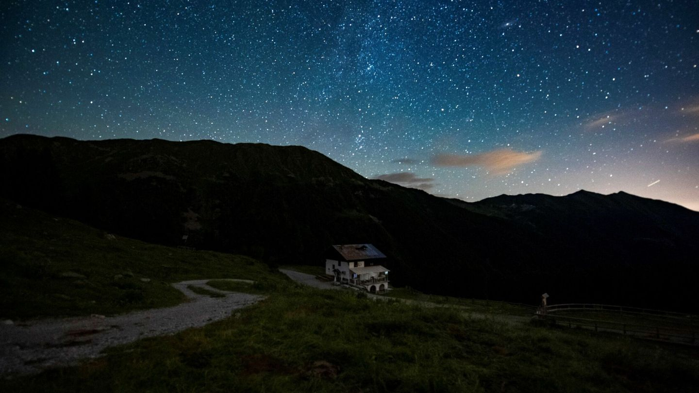 El cielo nocturno es un patrimonio amenazado por la contaminación lumínica (EFE)
