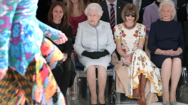 La reina durante el desfile. (Reuters)