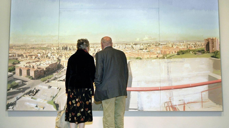 Foto: María Moreno y Antonio López, ante la obra del pintor. (EFE)