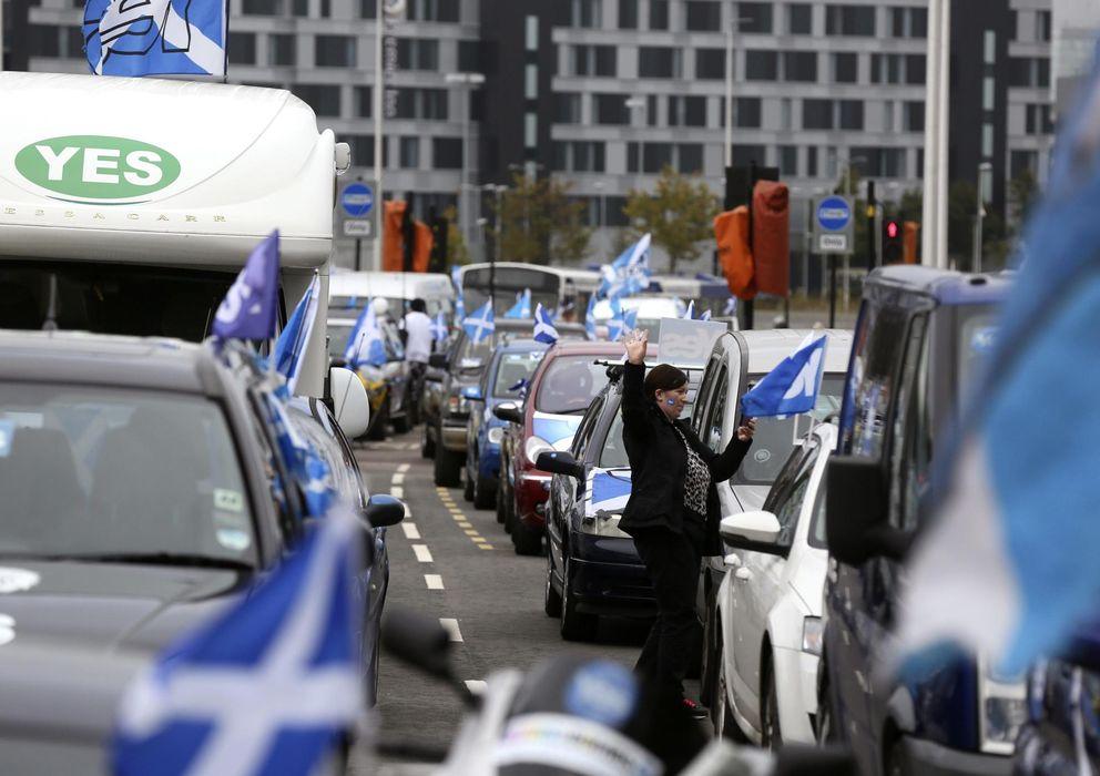 Foto: Partidiarios del 'sí', ayer, en Glasgow. (Reuters)