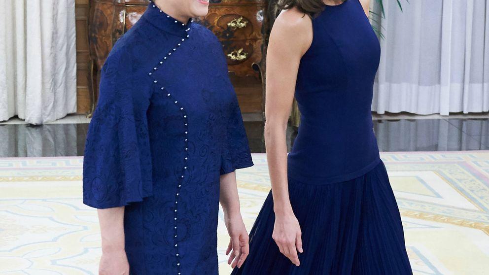 La reina Letizia y Peng Liyuan, primera dama china, a juego en Zarzuela