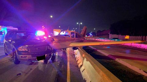 El impactante aterrizaje de emergencia de una avioneta en mitad de autopista