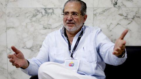 ¿Qué une a Felipe González, Vargas Llosa y al director de 'ABC'?