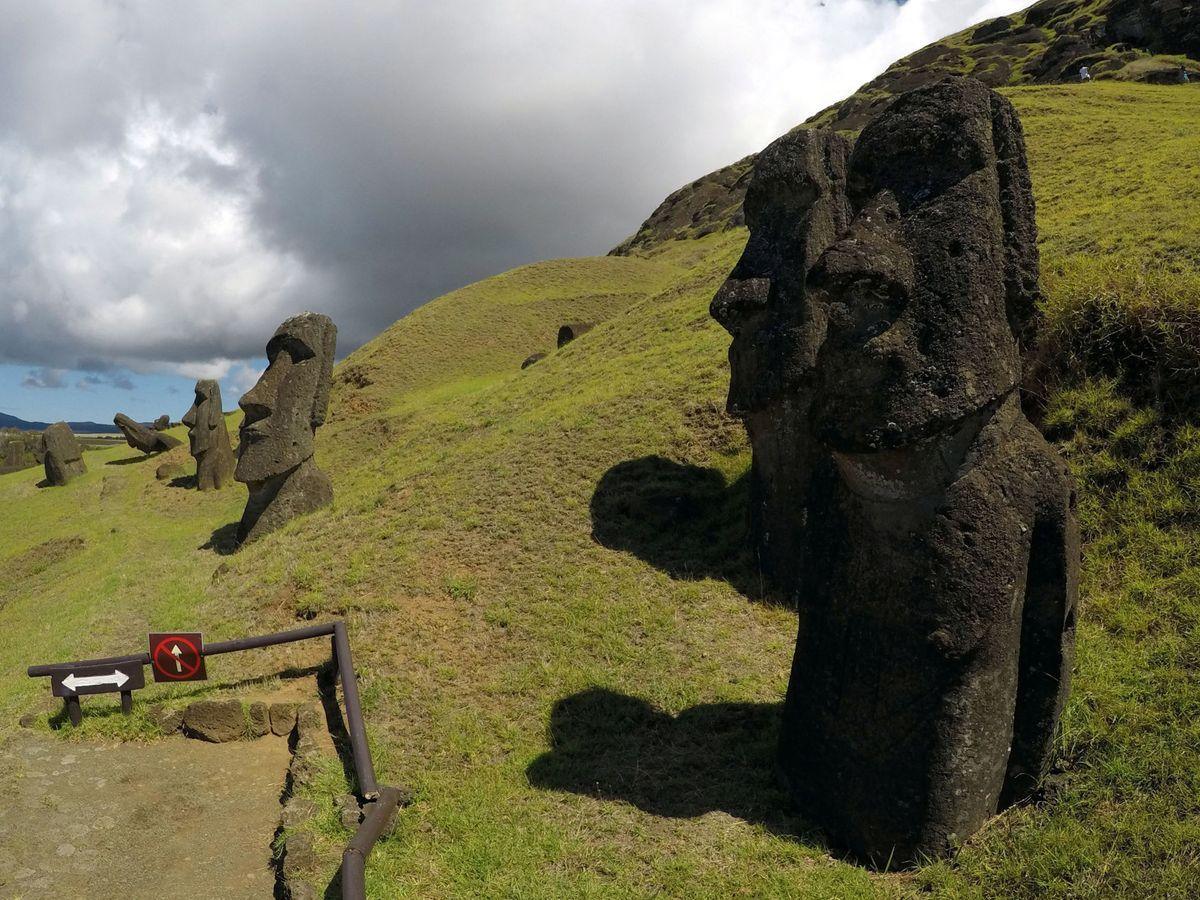 Foto: Estatuas moái en la Isla de Pascua. (Reuters)