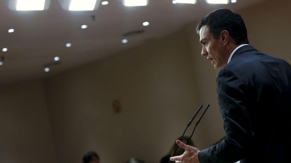 Foto: Pedro Sánchez, durante su rueda de prensa de balance tras la reunión con los representantes del PNV, este sábado 6 de febrero. (EFE)