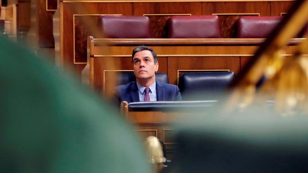 El debate de los bulos le estalla a Sánchez: un órgano de Moncloa vigila las 'fake news'