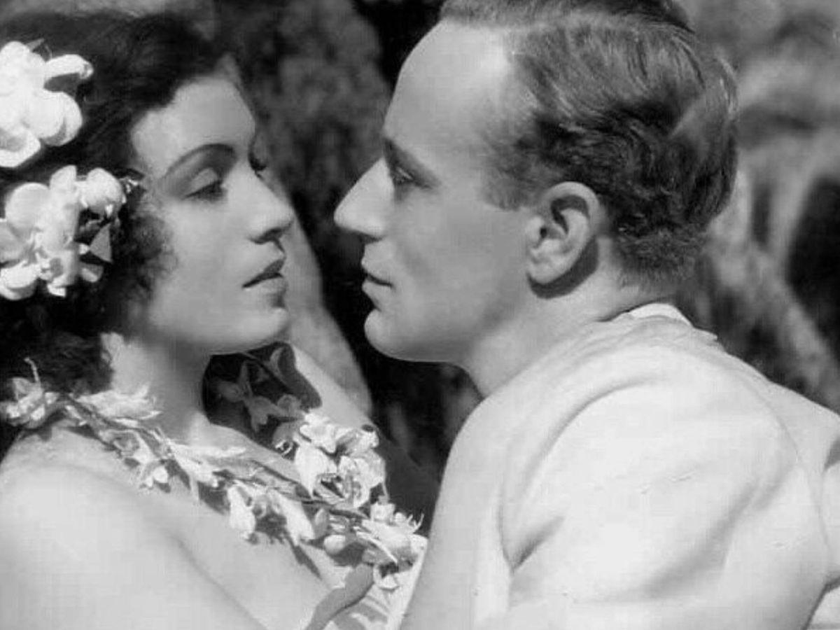 Foto: Conchita Montenegro y Leslie Howard, en un fotograma de la película 'Prohibido'. ( Metro-Goldwyn-Mayer)
