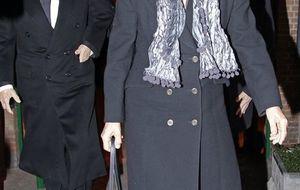 Natalia Figueroa, arropada en el funeral por su madre