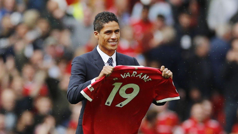 Varane comienza una nueva etapa en el Manchester. (Reuters)