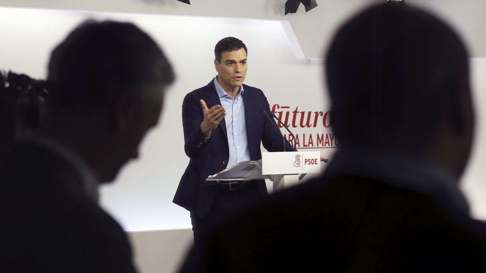 Foto: Pedro Sánchez, durante la rueda de prensa que siguió a la reunión de la comisión permanente de la ejecutiva, este 7 de marzo. (EFE)