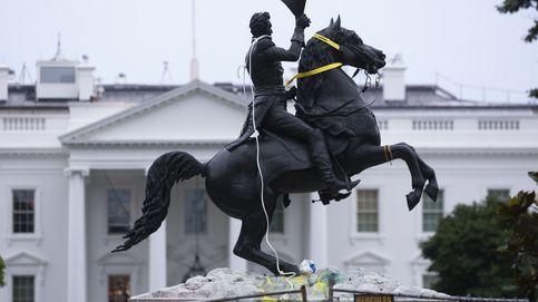 Cargas ante la Casa Blanca para que no derriben la estatua del expresidente Jackson