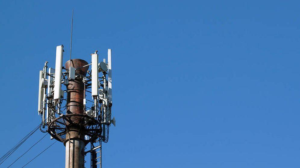 Foto: Vista de una antena de telefonía móvil. (Efe)