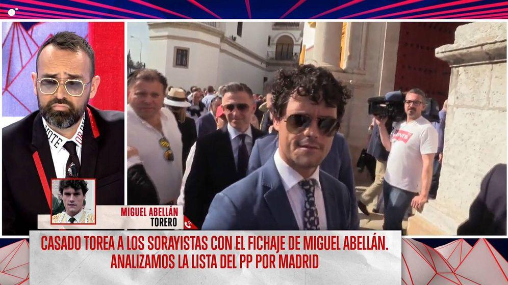 Foto: Risto Mejide escuchando a Miguel Abellán en 'Todo es mentira', (Mediaset España)