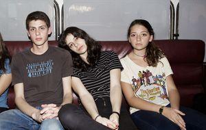 Cuatro adolescentes del Maresme conquistan el planeta 'hipster' con 400 euros